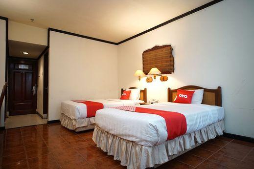 Capital O 1735 Adika Bahtera Hotel Balikpapan - Bedroom