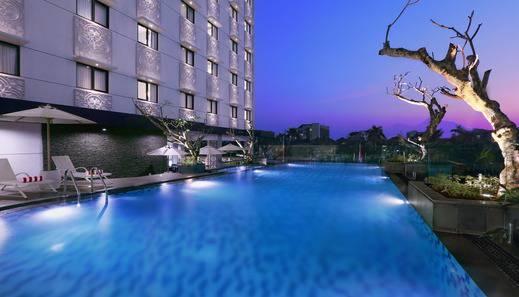 Hotel Neo Malioboro by ASTON Malioboro - Kolam Renang