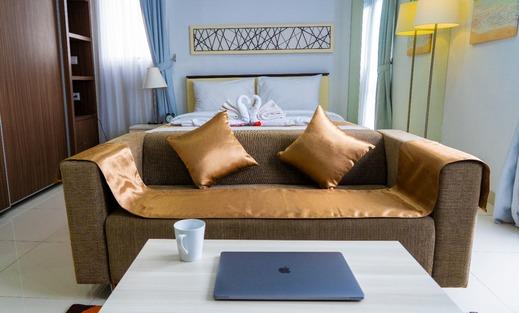 Smart Room Azalea Suites Cikarang By Jayakarta Group Bekasi - Corner Studio Suite