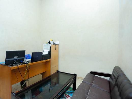 OYO 2692 Penginapan Mba Ros Banjarbaru - Reception