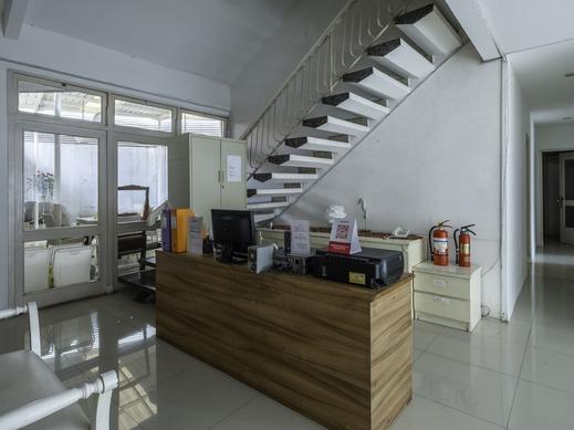 OYO 1873 Kyai Luhur Guest House Bandung - Reception