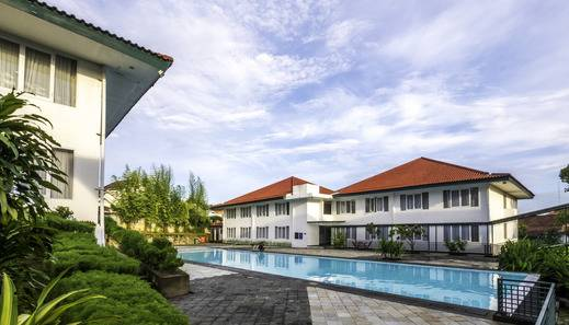Hotel Griya Sintesa Muara Enim Muara Enim - Kolam Renang