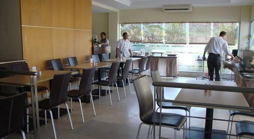 Triniti Hotel Nagoya Batam -