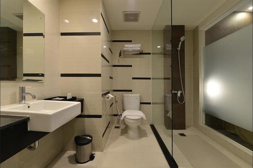 Swiss-Belinn Cibitung - Bathroom