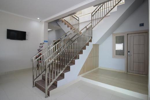 Airy HBR Motik KM 8 Taman Bukit Rafflesia BB6 Palembang Palembang - Stairs