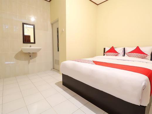 OYO 2367 Kenanga Homestay Bali - Bedroom SD