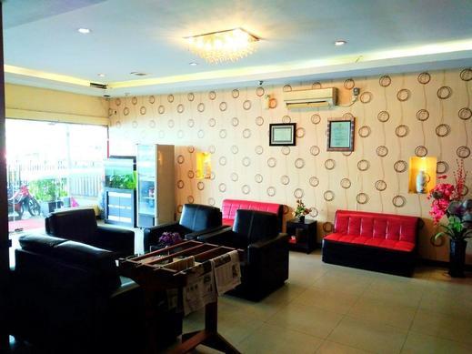 Parma City Hotel Pekanbaru - Lobby