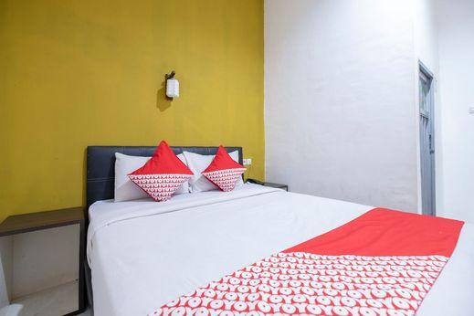 OYO 2552 Hotel Permata Makassar - Bedroom