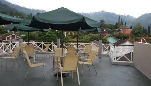 Rosetta Homestay Malang - Rooftop