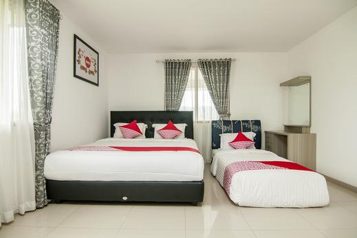 OYO 882 Puri Gevana Guest House Tanah Datar - Bedroom