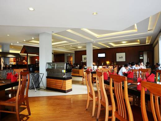 Gumilang Regency Hotel Bandung - Dining