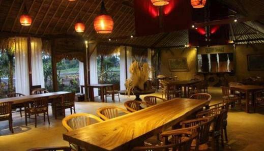 Tinggal Premium Resort Ubud Raya Pengosekan Bali - Restoran