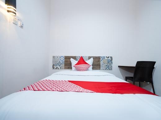 OYO 2285 Art Guest House Syariah Near RSUD Kota Yogyakarta Yogyakarta - Guestroom SS