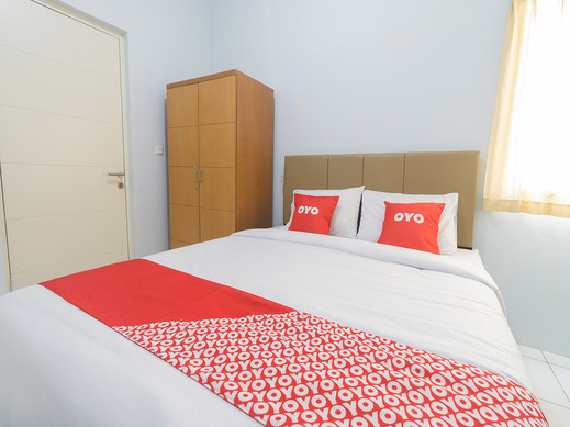 OYO 2110 Rotterdam Guest House Tangerang - Guestroom S/D