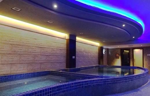 Diamond Hotel Samarinda - Pool