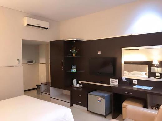 Hotel Zahra Kendari - Superior King
