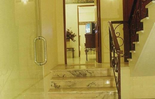 Inez Apartment 2 Malang - tangga