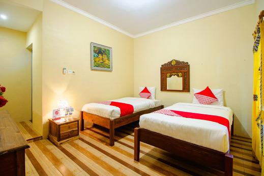 OYO 2047 Opak Village Bed & Breakfast Near RSUD Bantul Yogyakarta - Bedroom