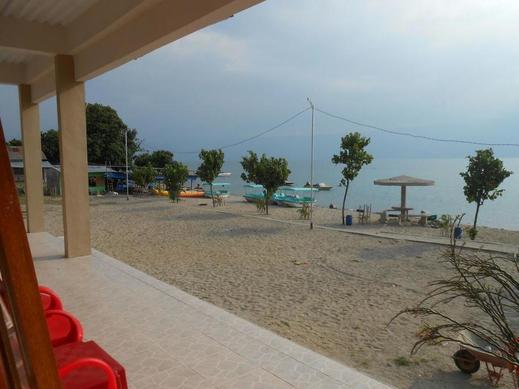 RedDoorz @ Hotel Pasir Putih Parbaba Danau Toba -