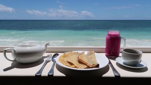 Phinisi Hostel Bira Bulukumba - Banana Pancake