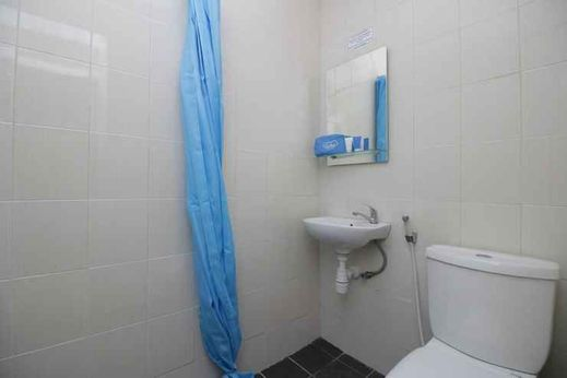 Mutiara Homestay Tangerang Selatan - Bathroom
