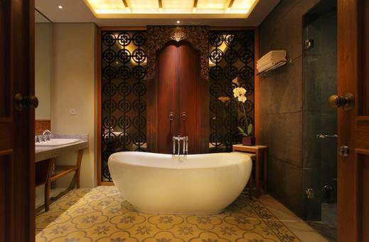 The Haven Suites Bali Berawa - Bathroom