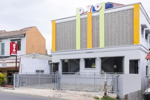 OYO 2990 Z Syariah Homestay Bandar Lampung - Facade