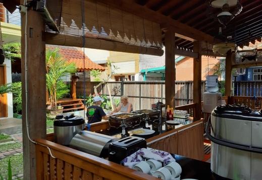 Sandy's Resto & Homestay Banyuwangi - Restaurant
