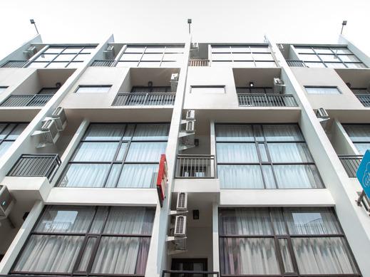 OYO 3811 Best Inn Hotel Jakarta - Facade