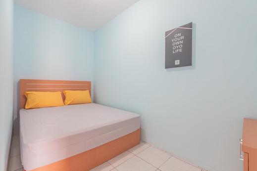 OYO Life 2445 Gardenia Residence Jakarta - Bedroom