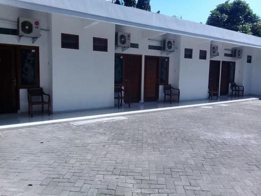 Guest House Brak Probolinggo - Exterior