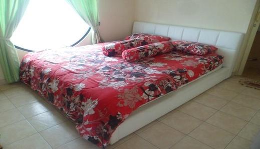 Santibi's Villa Kota Bunga Cartoon Cianjur - Bedroom
