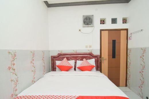 OYO 1480 Villa Dua Putri Pasuruan - Bedroom