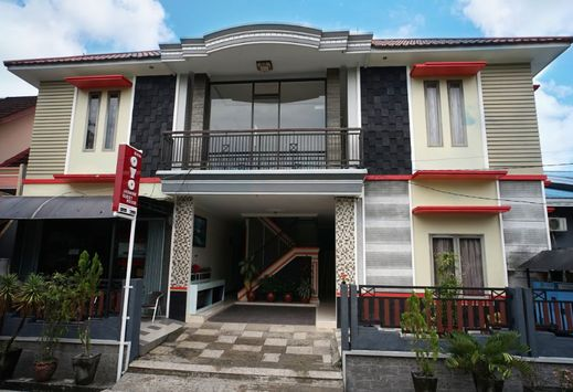 OYO 2038 Jasmine Guest House Balikpapan Balikpapan - Facade