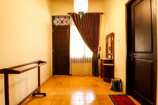 Griya Pamengkang 1 - Javanese House Jogja - Interior