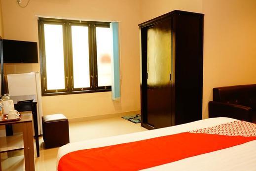 OYO 503 Hotel Belitong Belitung - Bedroom
