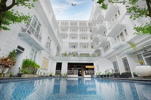 Royal Darmo Malioboro Hotel Yogyakarta - Kolam Renang
