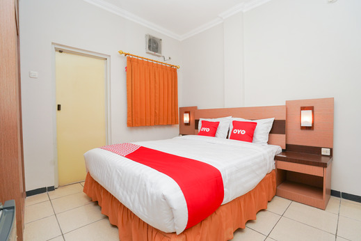 OYO 2075 Graha Marina Surabaya - Bedroom