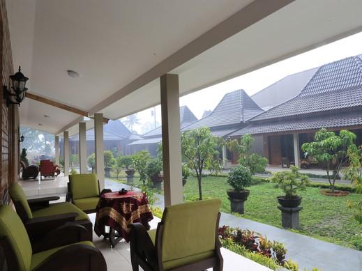 Puri Cempaka Guesthouse Yogyakarta - Teras