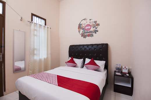 OYO 885 Tangkul Residence Medan - Bedroom