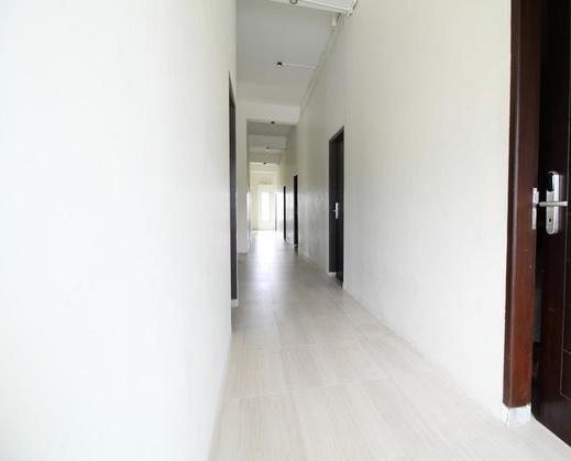 Airy Medan Kota MT Haryono Surabaya 2 - Corridor