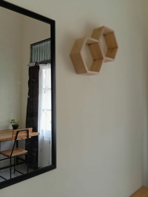 Flocation Coffee and Guest House Yogyakarta - Bedroom