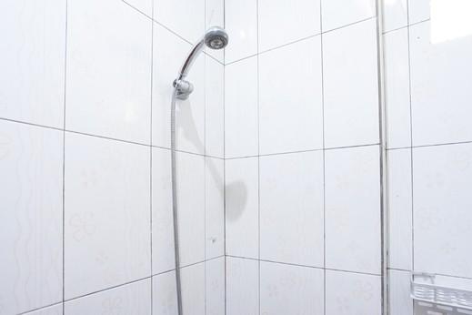 Ontario Homestay Manado - Bathroom