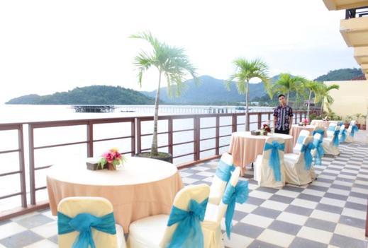 Mahkota Kayong Hotel Sukadana Kayong Utara - Restaurant