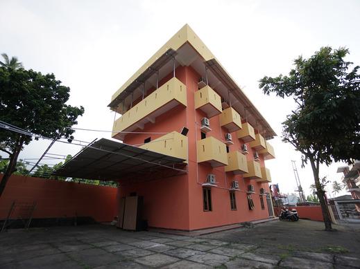 OYO 2486 Bahana Guest House Manado - Facade