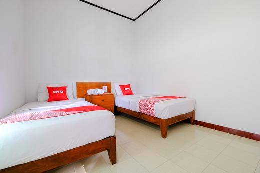 OYO 1929 Senggigi Hill View Homestay Syariah Lombok - Bedroom