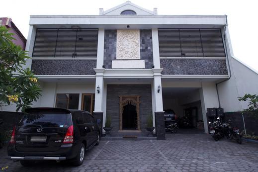 Airy Syariah Sleman Wahid Hasyim 60 Yogyakarta - Hotel Building
