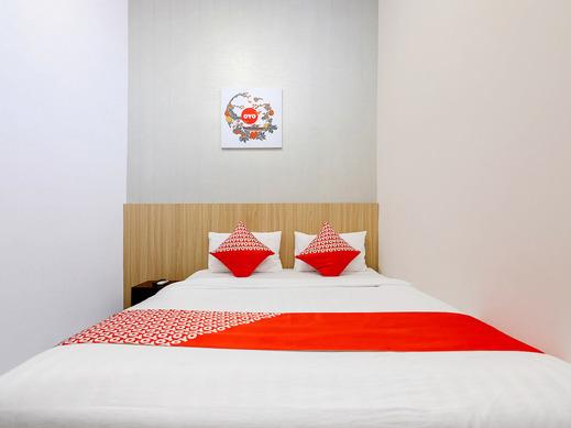 OYO 1137 Ndalem Panularan Solo - Bedroom