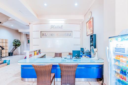 OYO 1229 Dc Hotel Pramuka Near RS St Carolus Jakarta - Reception