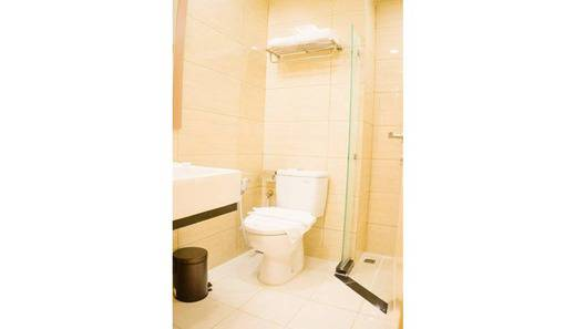 Hotel Dharmein Jakarta Jakarta - Bathroom